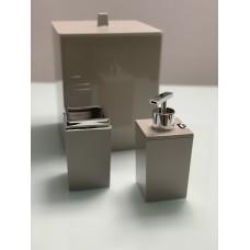 Kit Banheiro Quadrado Creme com Prata